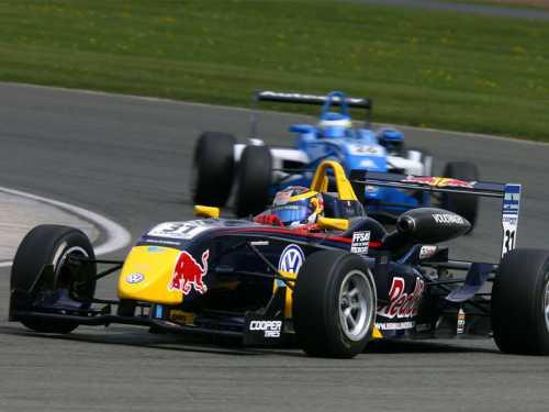 ¡Conduce un Formula 3 con 220cv y cambio secuencial por sólo 99€!